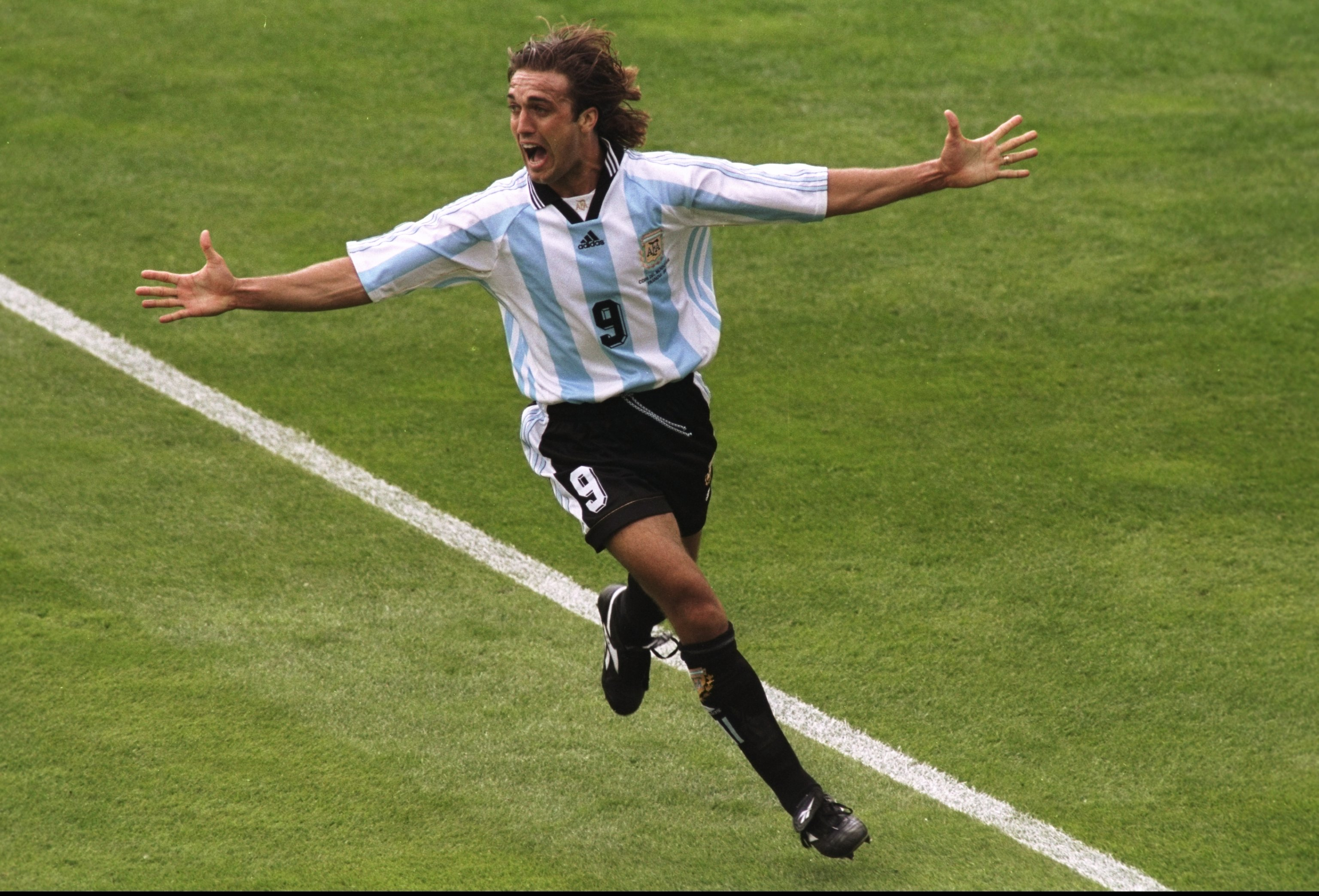 14 Jun 1998: Gabriel Batistuta of Argentina celebrates after scoring in the World Cup group H game against Japan at the Stade Municipal in Toulouse, France. Argentina won 1-0. Mandatory Credit: Laurence Griffiths /Allsport