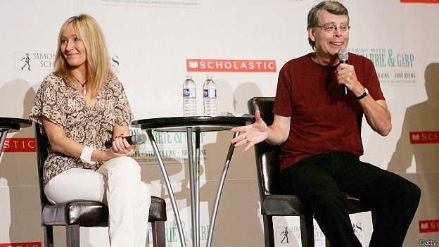 141113094246_stephen_king_jk_rowling_news_conference_624x351_getty