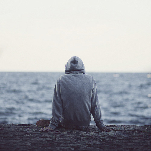 man,boy,dude,hoodie,lonely,ocean-bd7af8a5328db1b035ade0e070082d82_h_large